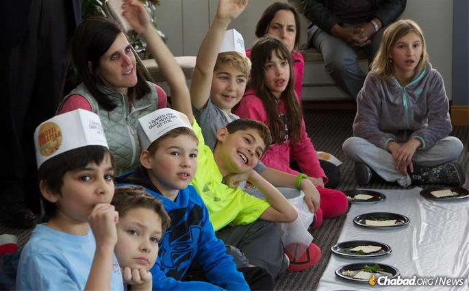 Chabad hosts thousands of educational programs before Passover all over the globe. (Photo: Lisa J. Seifert)