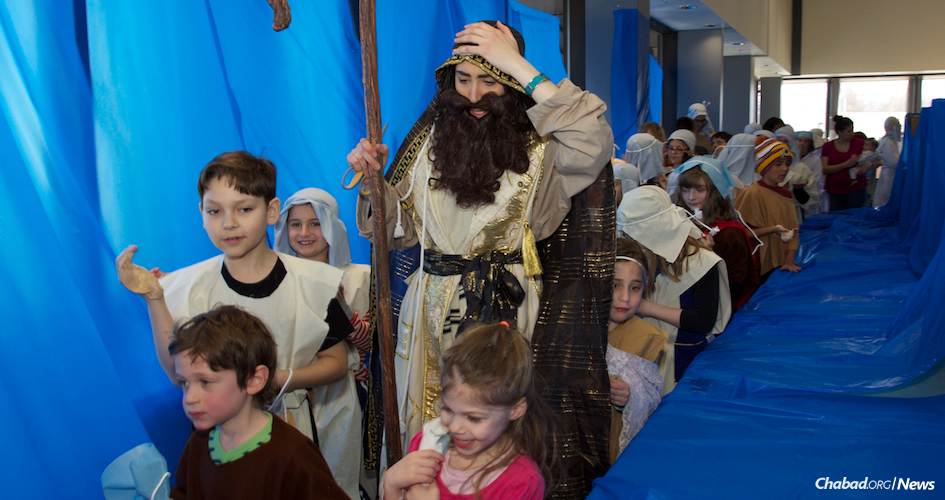 Children in Anchorage, Alaska, re-enact the crossing of the Red Sea following the Exodus from Egypt. (Photo: Lisa J. Seifert)