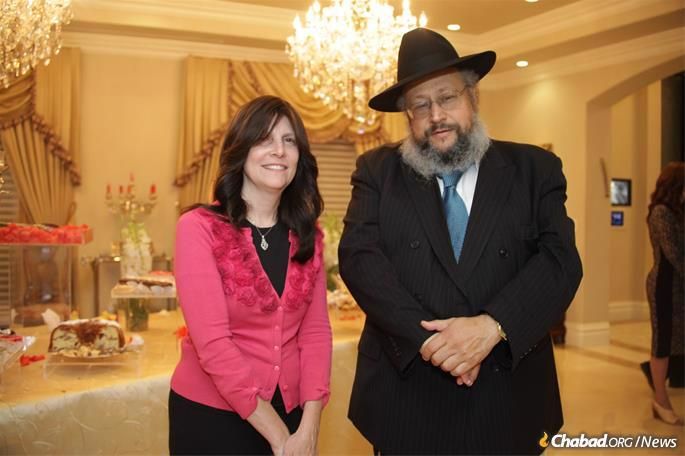 Rabbi Mordechai and Chave Einbinder of Chabad of the Valley in Tarzana, Calif.