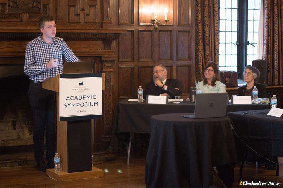Benjamin Ezzes, left, was awarded the Jewish Academic Innovation prize for a paper on values in Jewish education at the Sinai Scholars Academic Symposium, held this year at the University of Chicago.