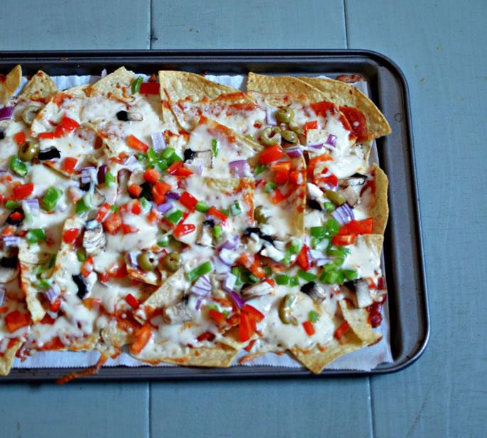 Easy 15-Minute Pizza Nachos