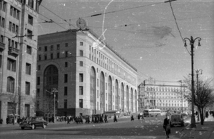 Moscow's Lubyanka prison (far right) can be seen in this 1961 photo. Dubin spent at least two months in the Lubyanka during his first arrest. He may have been incarcerated there again during his second and final arrest. Photo: Wikimedia Commons.