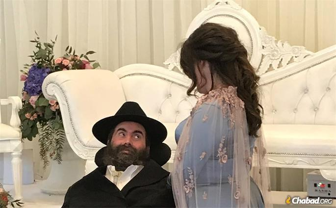 Rabbi Yitzi Hurwitz and his wife, Dina, celebrating the marriage of their daughter.