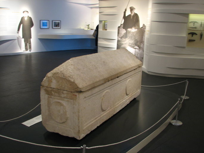 The sarcophagus of Helena in the Israel Museum (Hanay, Wiki Commons).