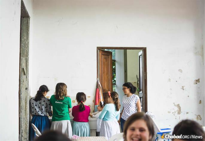 """""""There was [hand-washing] and prayers in the morning, doing a full Shabbat,"""" recalls Amy Tesciuba, 50, of Rome, who spent many summers at Camaiore as a camper and then counselor. """"It was very formative."""" (Photo: Batsheva Helena Goldreich for Chabad.org)"""
