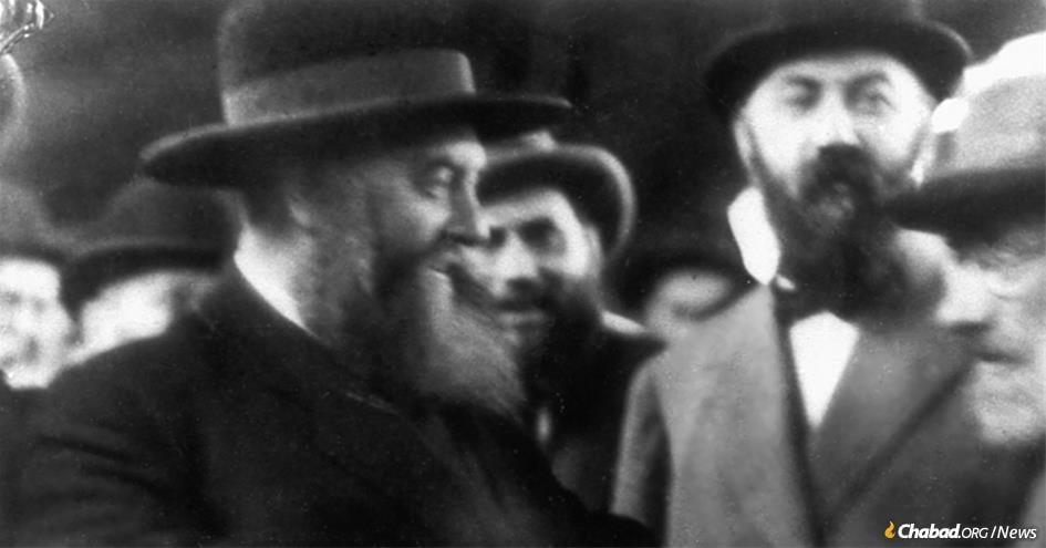 The sixth Rebbe—Rabbi Yosef Yitzchak Schneersohn, of righteous memory (left)—with Mordechai Dubin, right.