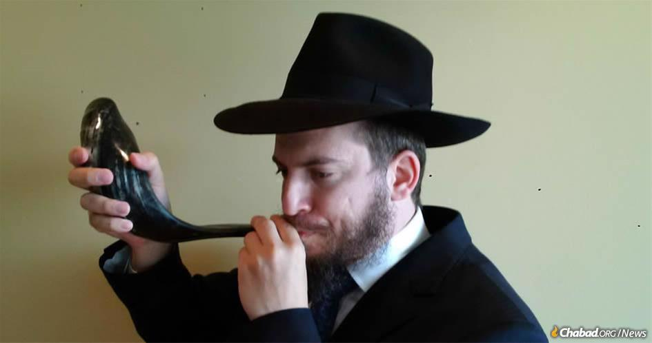Rabbi Leibel Fine, co-director of Chabad Dollard in Canada, has a tradition of blowing the shofar for the homebound on Rosh Hashanah. (Photo not taken on Yom Tov)