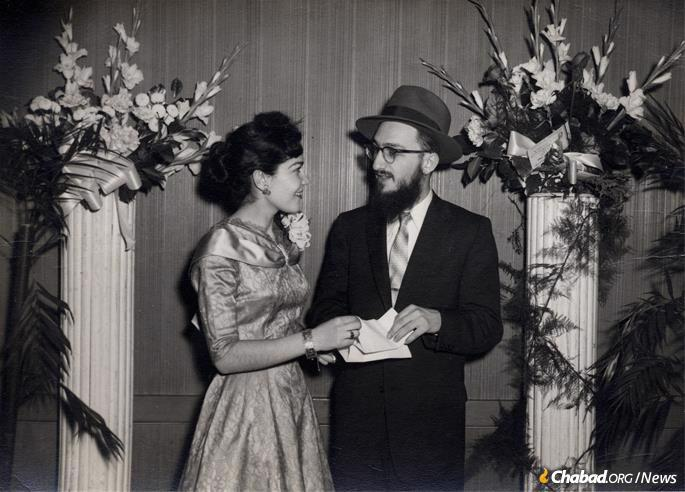 Shmuel and Shaindel at their engagement (Photo: Fogelman family collection)