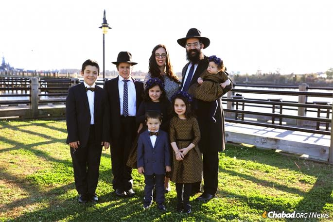 Rabbi Moshe and Chana Lieblich, co-directors of Chabad of Wilmington, N.C., and their children (File photo)