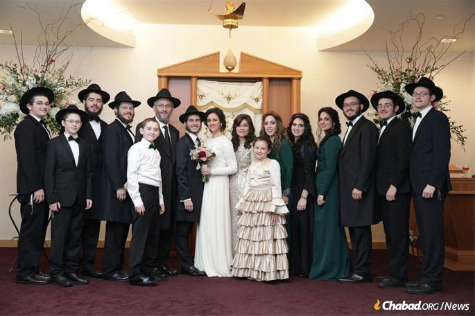 Rabbi Mendy and Kaila Sasonkin at a family gathering