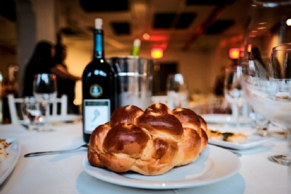 Shabbat-dinner-pic-729x486.jpg