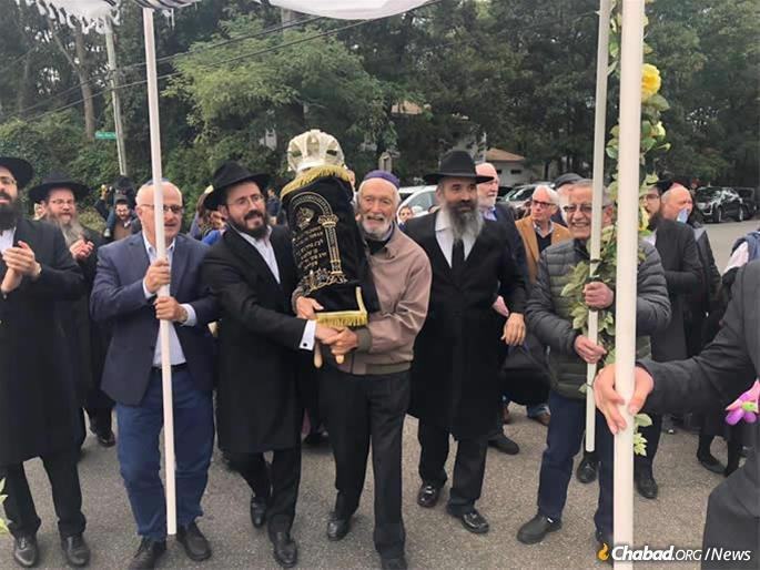 The traveling Torah is set to be on loan to fledgling Jewish communities around the world.