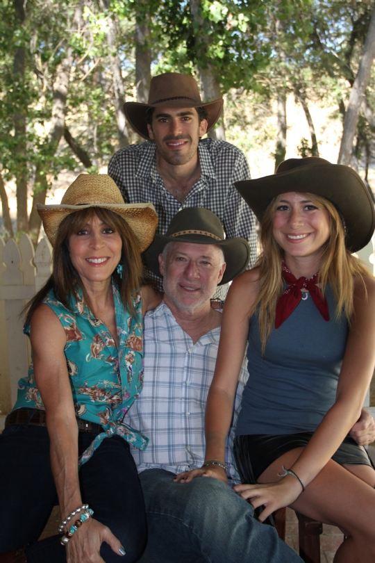 Goldfarb-family-picture1.jpg