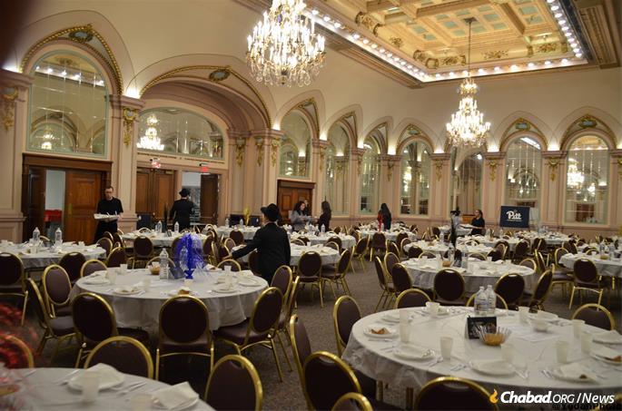 Shabbat dinner for hundreds.