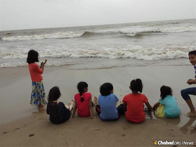 """We wanted our son to have a strong connection to his Jewish roots,"" says parent Chen Jacobs. Students of Jewish Academy at Mumbai's water front."