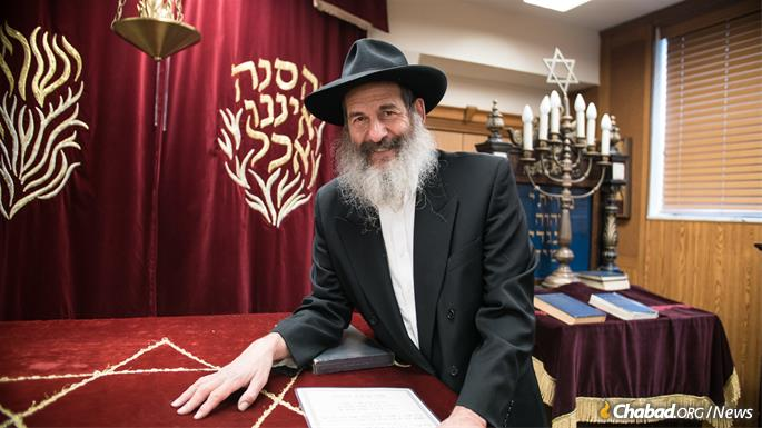 For more than 40 years, Dr. Arthur (Avraham) Lubin has almost single-handedly cared for a historic Chabad synagogue now housed in a kosher nursing home in a once Jewish neighborhood. (Photo: Brett Walkow)