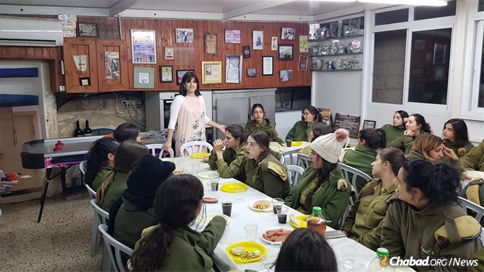 Batsheva Cohen leads classes for women soldiers.