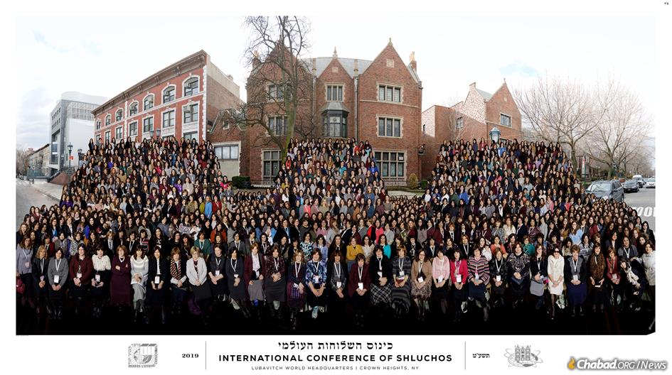 Thousands of female Chabad-Lubavitch emissaries gather for their annual photo.