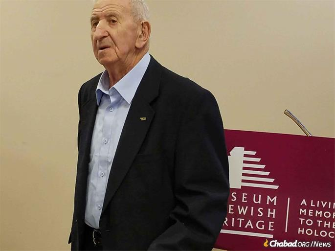 In recent years, Miller was a popular speaker, describing his experiences during the Holocaust.