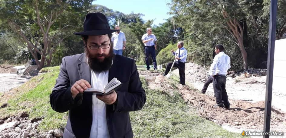 Rabbi Shneur Hecht worked on creating the first Jewish cemetery in Puerto Vallarta, Mexico, for more than a year.
