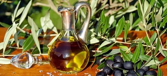 olive-oil-1596639-crop.jpg