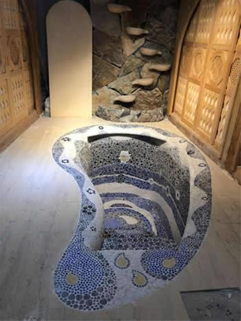 The community mikvah is designed to be aesthetically pleasing, in keeping with the natural themes of Asia.