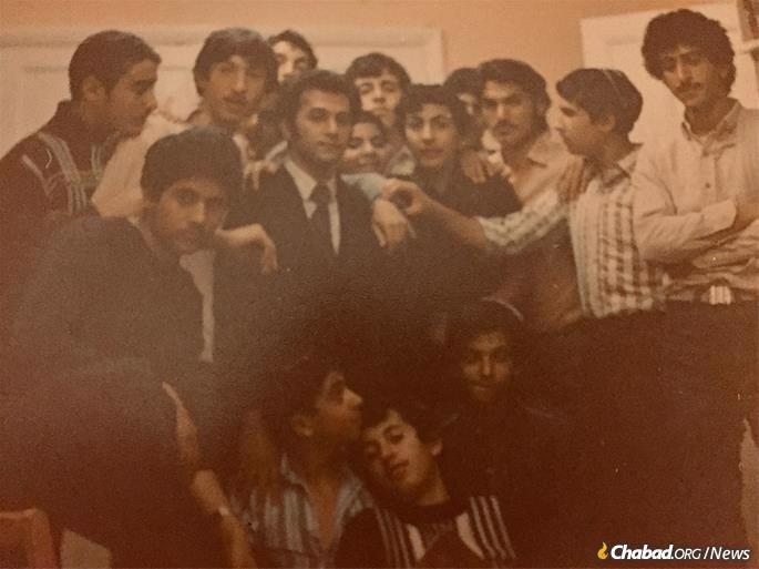 Chayempour, center, with Iranian boys in London, 1980. (Photo: Courtesy of Moshe Chayempour)