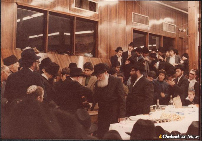 On the last day of Passover 1979, the Rebbe spoke of the revolution in Iran, the hidden blessings that it contained and the new hope for the children who had been exiled from their homes, asking at the end that it be translated into Farsi. (Photo: Courtesy NCFJE)