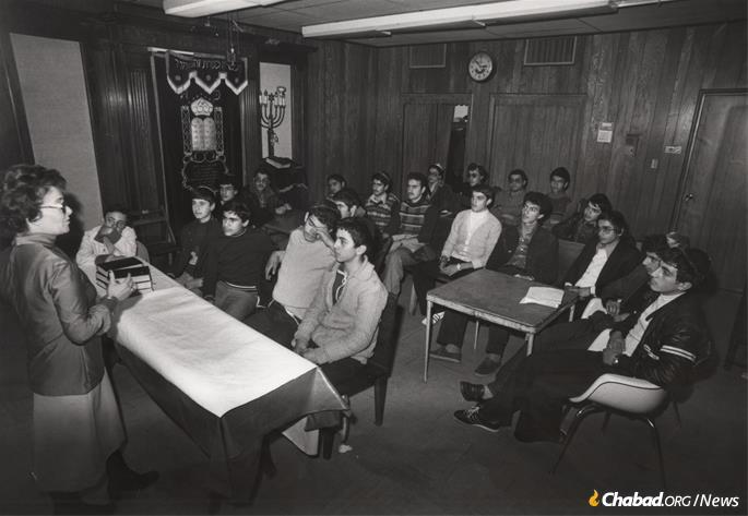 Crown Heights was quickly filled with Iranian children, and classes were held wherever space could be found. (Photo: Courtesy NCFJE)