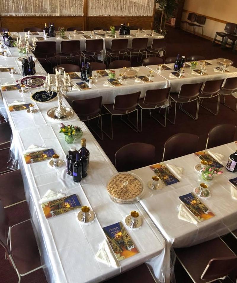 Seder Table (650x245)