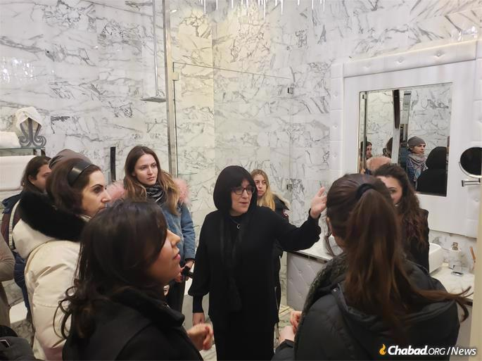 Women were given a tour of the mikvah. (Photo: Tzemach Feller)
