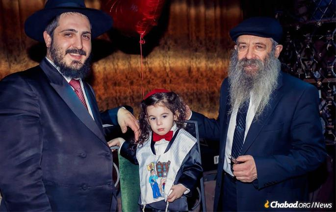 Shimon Ash in St. Petersburg for the upsherin of the son of Rabbi Dani and Rivka Ash.