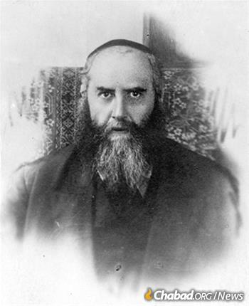 Rabbi Yosef Yitzchak Schneersohn photographed in Leningrad around 1927