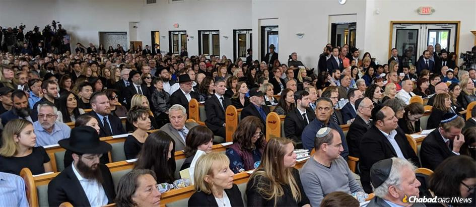 Hundreds of Jewish community members, law-enforcement representatives, local officials and well-wishers filled Chabad of Poway's sanctuary to bid farewell to Lori Kaye.
