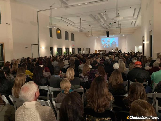 A recent lecture at Chabad of Poway, which draws attendees from all walks of Jewish life. (File photo: Chabad of Poway, Calif.)