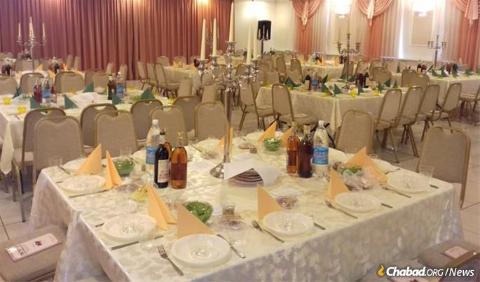 The Passover seder in Donetsk ready to go in 2016.