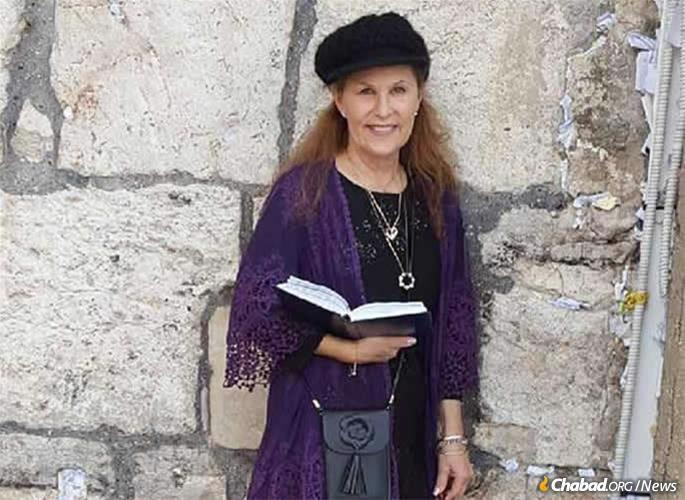 Lori Kaye at a visit to the Kotel (Western Wall) in Jerusalem