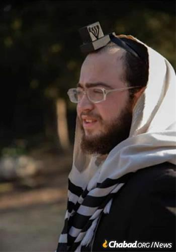 Pinchas Menahem Pashwazman, 21, was killed in Ashdod while running for shelter.