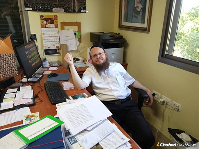 Rabbi Yosef Yitzchok Halperin makes final preparations to provide services and amenities for some of the 600,000 visitors expected for Lag BaOmer. (Photo: Yehuda Sugar)