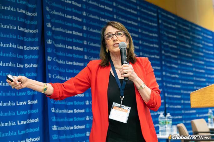 Judge Nancy Gertner, former U.S. District Judge, District of Massachusetts and now a professor at Harvard Law School, presented an interactive mock-sentencing workshop. (Photo: Meir Pliskin/Aleph Institute)
