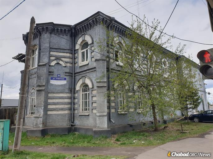 The historic synagogue in Nizhnyudinsk has thus far been spared.