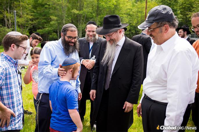 Lazar's visit followed a Gimmel Tammuz farbrengen Camp HASC held the day before. (Photo: Camp HASC)