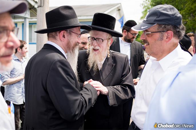 Rabbi Mechel Steinmetz, a Skverer halachic authority. was also visiting the camp that day. (Photo: Camp HASC)