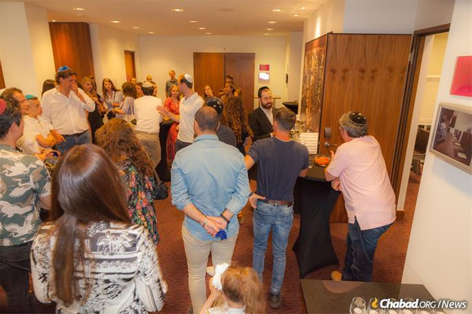 The program began this year with a pre-trip Shabbat gathering in Amsterdam for the Netherlands Maccabi team and staff.