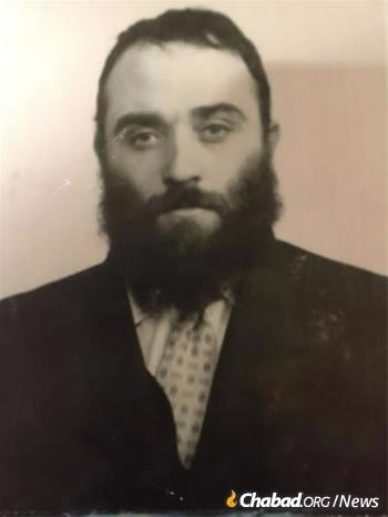 As a young man in the USSR, a significant part of his work entailed providing for the physical needs of yeshivah students in far-flung locations, necessitating travel across the Soviet Union.