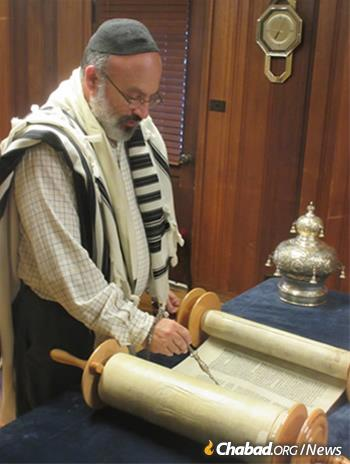 """David Arbital would regularly study the weekly portion, but that alone wasn't enough for him. """"I've had this dream that along with that, I want to go back and start learning how to actually read from the Torah."""""""