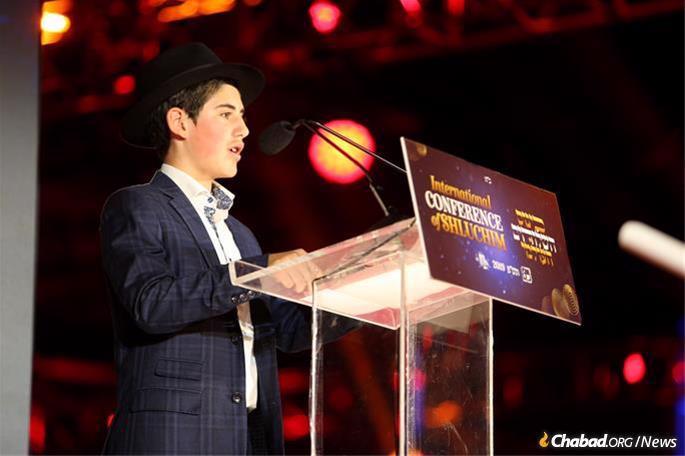 Shalom Hurwitz delivered his father's heartfelt speech. (Photo: Itzik Roytman)