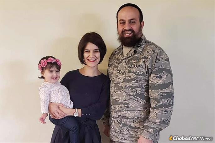 Capt. Levy Pekar, his wife Bassy and their daughter Nesha