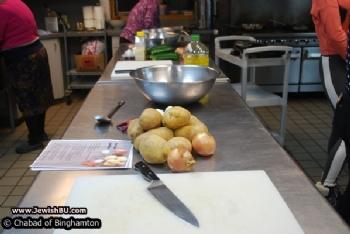 GNO: Latkes and Donut Making