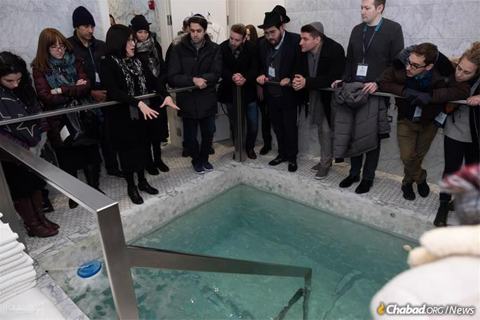 Visiting a local mikvah and learning about the laws of Jewish family life. (Photo: Sholem Srugo)
